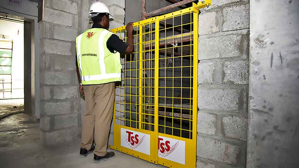 TSS-Shaftgate-SHaft-gate-Edge-Protection-System-elevator-lift-Dubai-Uae-AbuDhabi-Emirates-Sharjah-Ajman-SAudi-Arabia-Oman 03